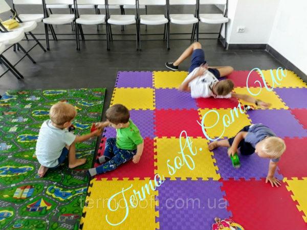 Развивающий игровой коврик с дорогой